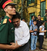 """""""Hãy để triệu người con đất Việt khóc thay Trời được không?"""""""