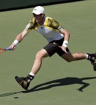 Wozniacki thua thảm, Murray hạ Tomic trong 47 phút