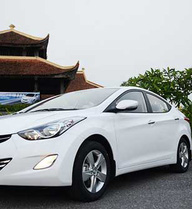 """Hyundai Elantra 2013 bị khách hàng Việt chê giá """"chát"""""""