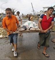 So sánh sự khủng khiếp của siêu bão Haiyan với thảm họa 2004