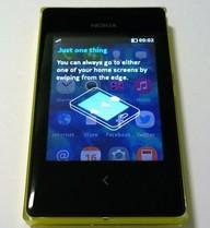 Ảnh thực tế Nokia Asha 503 vỏ nhựa trong suốt đầu tiên