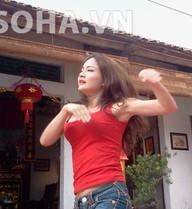 Cận cảnh 'Bà Tưng' nhảy múa ở hài Tết 2014