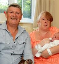 Đau bụng đi khám mới biết mình mang thai và sinh con sau 15 giờ
