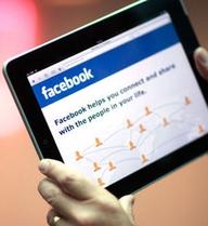 """Người Canada """"nghiện"""" vào Facebook nhất thế giới"""