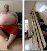 Kì lạ người đàn ông chỉ ở được tầng 1 vì... quá béo