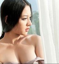 Thái Nhã Vân lo lắng vì mất điện thoại chứa ảnh nhạy cảm