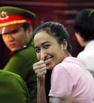 5 bức hình ám ảnh đời sống showbiz Việt nhất năm 2013