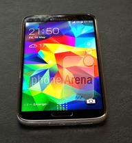 Tò mò với những hình ảnh thật của Galaxy S5 Prime vỏ kim loại