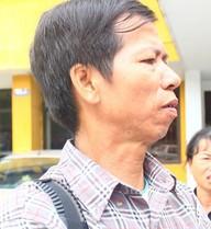 Ông Chấn gặp khó khăn khi làm việc với tòa về vấn đề bồi thường
