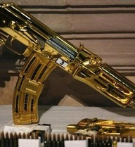 Những khẩu súng dát vàng, nạm kim cương nổi danh thế giới