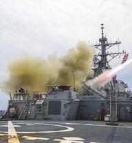 """Chiến hạm Mỹ khoe sức mạnh tại tập trận """"Lá chắn dũng cảm"""""""