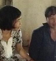 Vợ một cựu kiểm sát viên đến xin lỗi gia đình ông Chấn