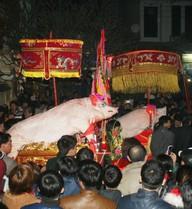 Tưng bừng lễ hội rước lợn độc đáo ở La Phù