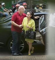 Thu Minh đeo túi hơn 1 tỷ đi làm đẹp cùng ông xã