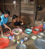 Gia đình nghèo ăn mì gói trúng thưởng hơn 100 triệu đồng