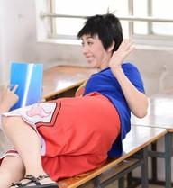 """Cuộc sống """"sáng gây cười, tối cuồng điên"""" của hoa hậu hài Sài Gòn"""