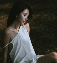 Hình ảnh gợi cảm của Quỳnh Anh Shyn