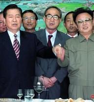 Những cái bắt tay đi vào lịch sử chính trị thế giới