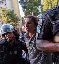 Olympic Rio: Đằng sau lễ khai mạc hoành tráng là bạo loạn