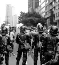 Bê bối mai dâm nam trong lực lượng cảnh sát gây chấn động