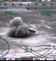 """[VIDEO] """"Thợ săn đêm"""" Mi-28N phá hủy xe thiết giáp của IS"""