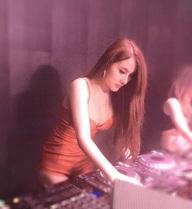 Mức thu nhập khiến nhiều người khó tin của nữ DJ Hà Thành