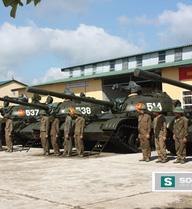 Dưới mưa bom bão đạn, xe tăng vượt Trường Sơn bằng cách nào?