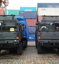 Tính năng ưu việt của bộ đôi xe đầu kéo hạng nặng vừa cập cảng Việt Nam