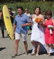 """Thủ tướng Canada vô tình """"phá ảnh"""" đám cưới khiến cộng đồng mạng xôn xao"""