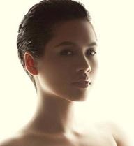 Người đẹp, người mẫu chụp nude: Cấm hoàn toàn là không nên!
