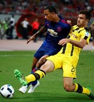 """Chơi tệ hại trước Dortmund, Depay sắp bị """"đá"""" khỏi Man United?"""