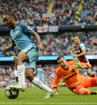 """Man City ẵm trọn 3 điểm, Pep gửi """"chiến thư"""" tới Mourinho"""