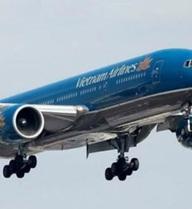 Hàng chục chuyến bay đến Hà Nội phải tạm dừng vì ảnh hưởng bão số 1