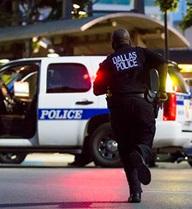 """Cảnh sát bị bắn trong biểu tình Dallas: """"Như một vụ hành quyết"""""""