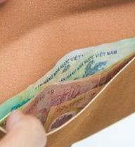 """Tiền tài cứ mãi """"bốc hơi"""" nếu bạn bỏ vật này vào ví"""