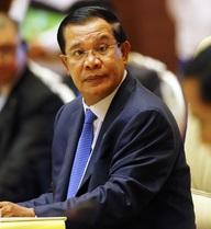 """Đảng của Hun Sen nói về tin nhắn dọa """"tắm máu"""" người biểu tình"""