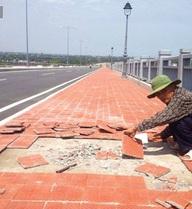 """Cầu đúc hẫng lớn nhất Việt Nam: """"Hư hỏng là bình thường"""""""