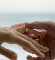 Níu hôn nhân bất thành, vợ xin tòa truy tố chồng