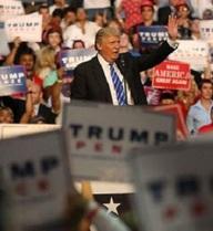 """""""Sốt vó"""" vì giảm mạnh ủng hộ, Trump cải tổ nhân sự ban tranh cử"""