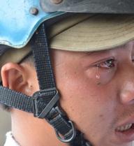 Người chạy xe ba gác chở cồng kềnh bật khóc khi bị CSGT thổi phạt