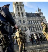 Hé lộ bí mật của những kẻ khủng bố ở EU: Làm cách nào để kiếm vũ khí giết người?