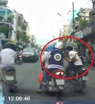 Bắt khẩn cấp nghi can giật giỏ xách ở quận Tân Bình bị camera ghi hình