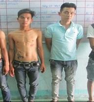 4 thanh niên hiếp dâm tập thể tiếp viên 18 tuổi