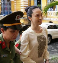 Kiến nghị làm rõ hợp đồng tình ái của hoa hậu Phương Nga