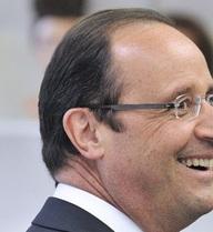 Sốc với mức lương cực khủng của thợ cắt tóc Tổng thống Pháp