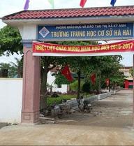 Hà Tĩnh: Phụ huynh ngăn cấm gần 1.000 học sinh đi học để đòi miễn giảm học phí