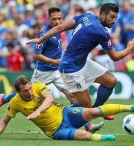 """Italia vs Ireland: """"Trò quỷ"""" của đoàn quân thiên thanh"""