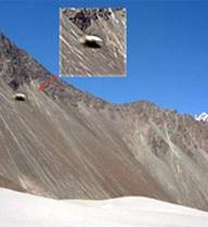 Phát hiện căn cứ bí mật của người ngoài hành tinh trên đèo hẻo lánh ở Himalaya?