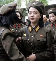 """Triều Tiên kêu gọi trẻ em """"liều mình"""" bảo vệ ông Kim Jong-un"""
