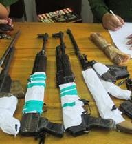 Trùm ma túy 26 tuổi giấu 5 khẩu súng trong nhà